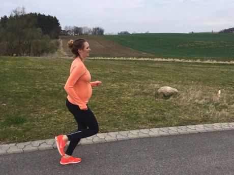 FitMum, pregnant woman running
